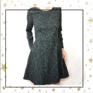 LOFT Green Paisley Long Sleeve Full dress     (C8)